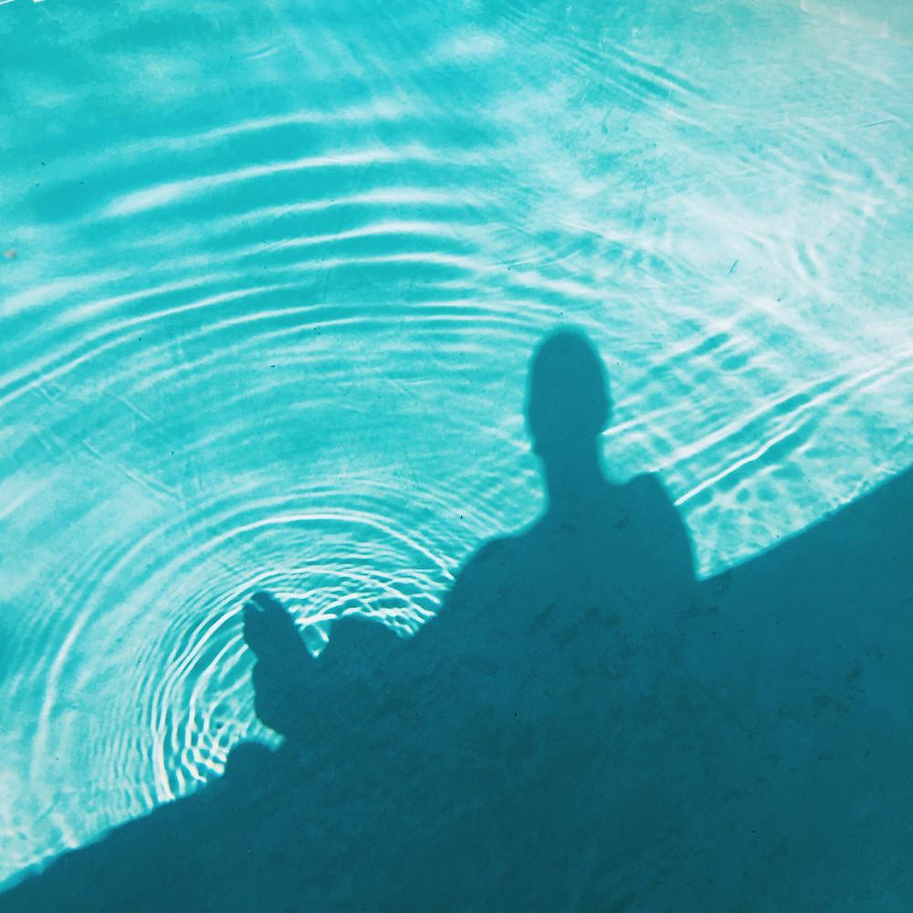 pool silhouette
