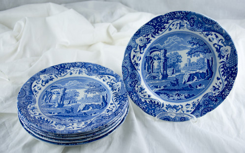 5 Blue And White Plates In The Italian Willow Pattern Just Time For Holidays Priced Per Plate