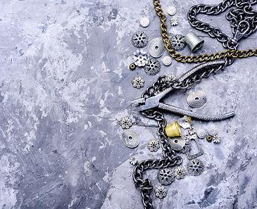 bijouterie-bracelets-necklace-JK2L4VW.jp