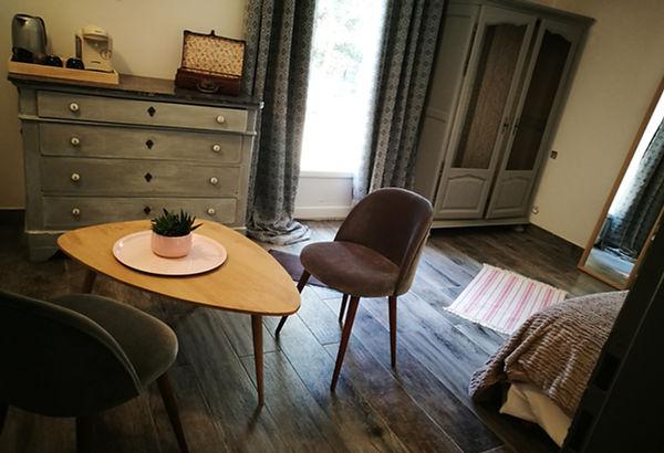 architecture d'intérieur d'une maison individuelle et ses chambres d'hôtes vaucluse luberon, chambre romatique
