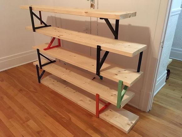 étagère fai main, DIY, do it yourself, planche de bois, équerre, pins, bois,