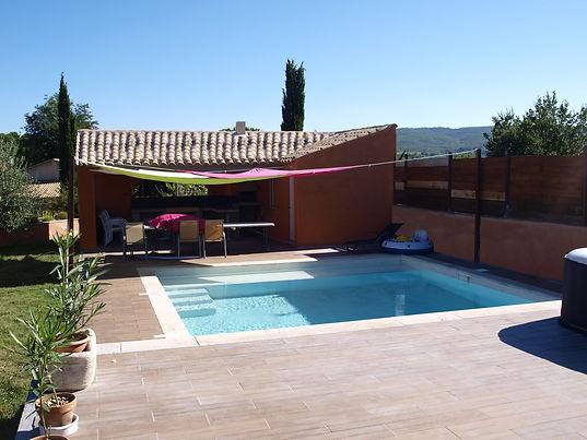 piscine pool house mediterranée bois luberon jardinière voile de bateau