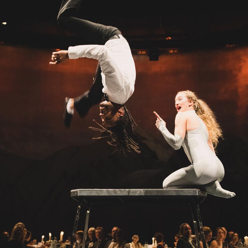 Duo-Akrobatik Show