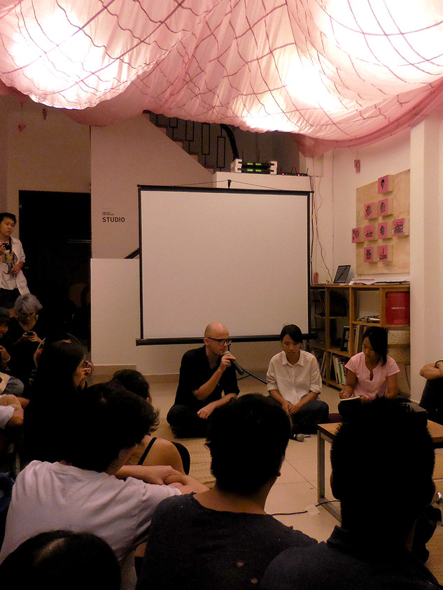 Talk at Sàn Art with Roger Nelson and Nguyễn Thị Thanh Mai