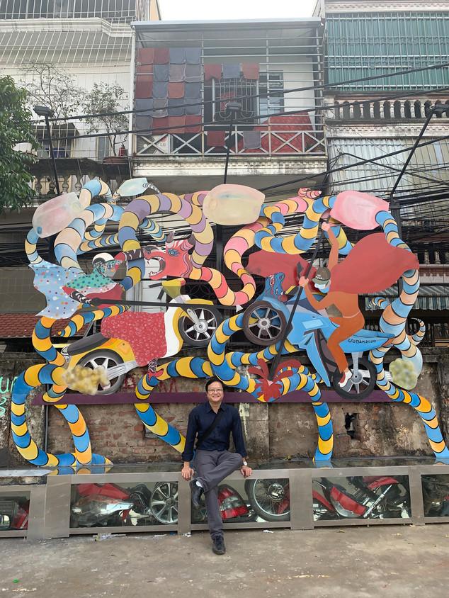 Visit to Phúc Tân public art project with Nguyễn Thế Sơn, Hanoi