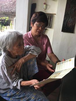 Nguyễn Thị Mộng Bích at her home in Hiên Vân village