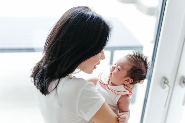 Babyfotos mit Mama