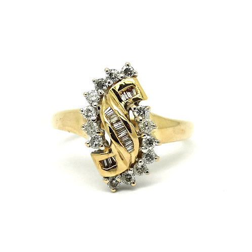 Lovely Petite Lady's Diamond Cluster 14k Gold Ring