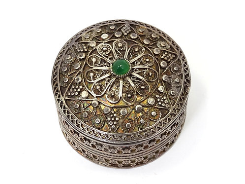 Vintage ISRAEL Cannetille Filigree 925 Silver Green Garnet PILL BOX Container