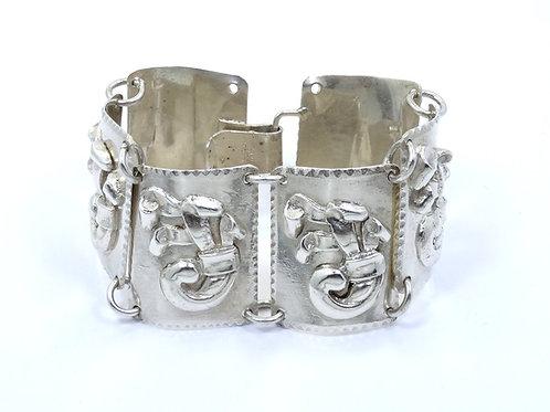 Wonderful MID CENTURY Modernist MEXICO Repousse Bouquet Sterling Silver Bracelet