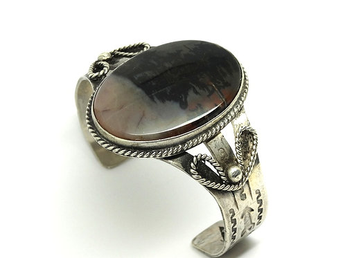 Vintage Navajo MOSS AGATE Hand-etched Arrow design Sterling Silver Cuff Bangle