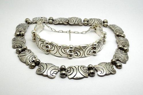 Wave Designs Eagle 26 Taxco Mexico Gerardo Lopez Mid Century Sterling Hinged Cuff Bracelet
