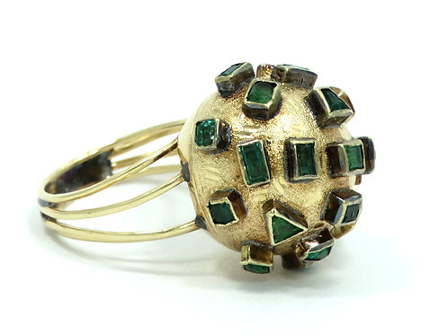 Vintage Mid-Century MODERNIST Genuine Green EMERALD Yellow Gold DOME Ring