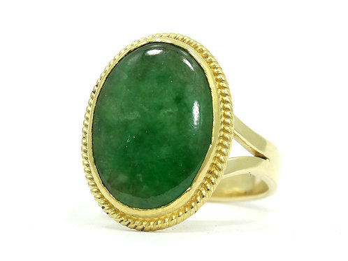 Vintage Chinese Translucent GREEN JADEITE 18k Yellow Gold Ring s.7