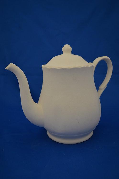 Queen Ann Teapot, GB007  20cm
