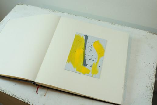 Amarillo cartulina.JPG