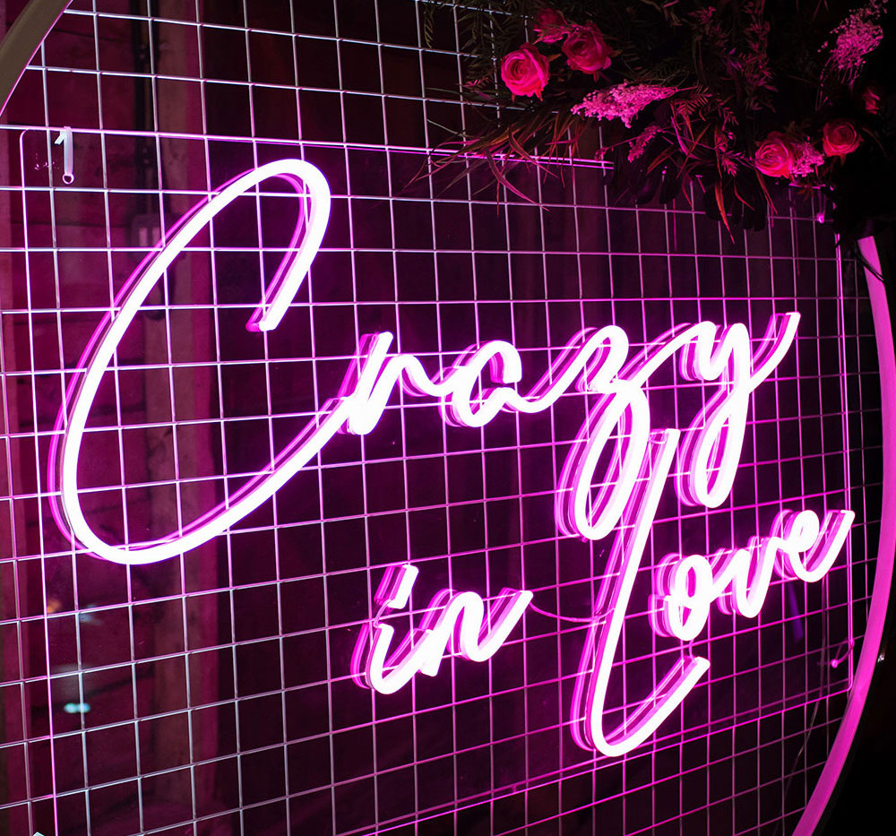 ILLUMINOGRAPHY - CRAZY IN LOVE Neon