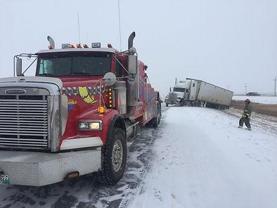 Full Tilt Towing Brandon Manitoba 53.jpg