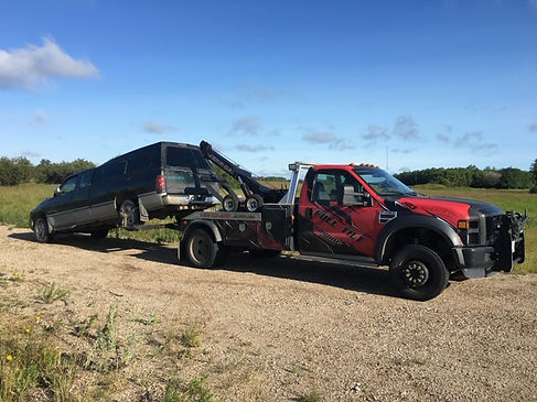 Full Tilt Towing Brandon Manitoba 36.jpg