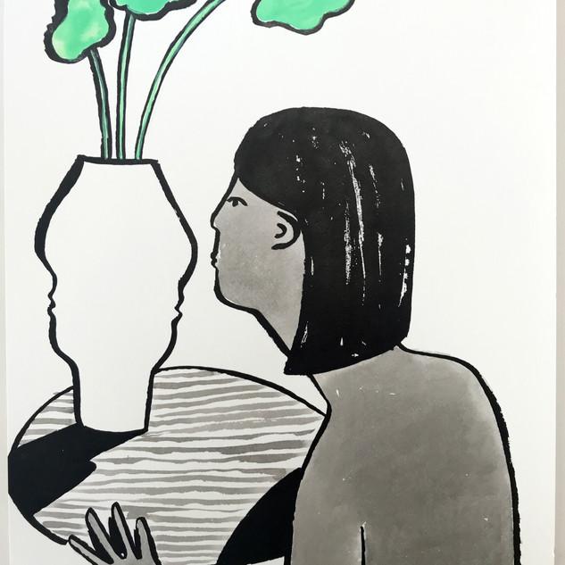 Kissing Vase 500.jpg