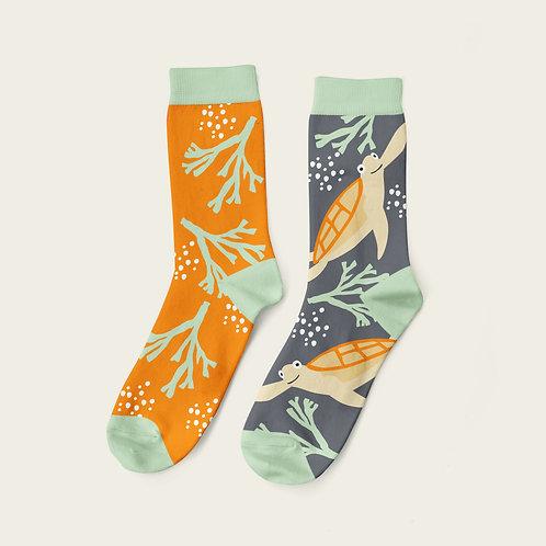 Swimming Turtle Socks Design