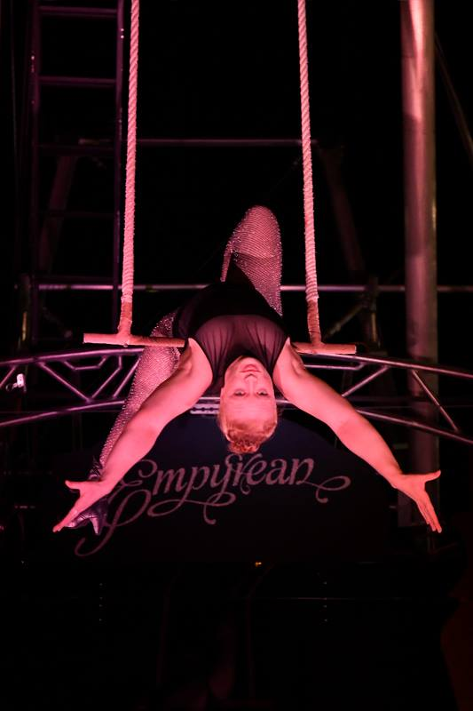 Cirque Nocturne - Trapeze