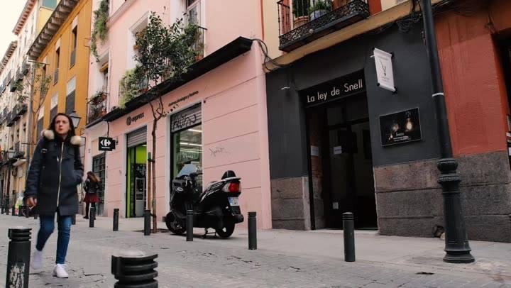 Ícaro, solo en La ley de Snell con Jaime Sanjuan Art hasta el 10 de abril  Créditos a @albastark   #madrid #exposicionesmadrid #artedigital #fingerpaintings #ipad #apple