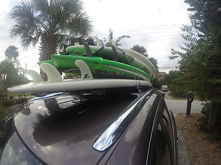 Roof rack with paddleboards