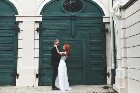 mít svatbu