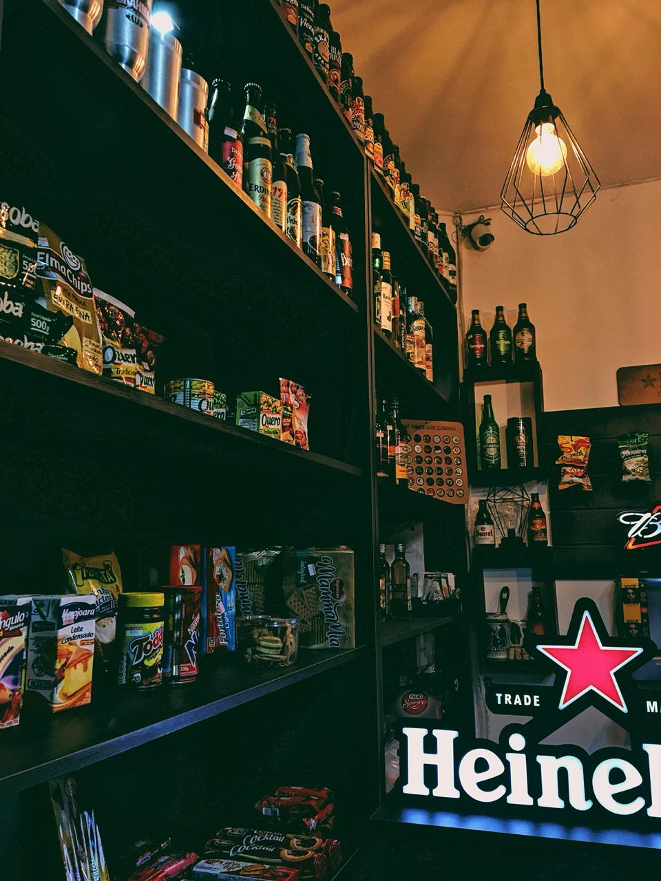 Além de bebidas, há vários outros produtos para consumo. Foto: Maryana Teles/Coletivo f8
