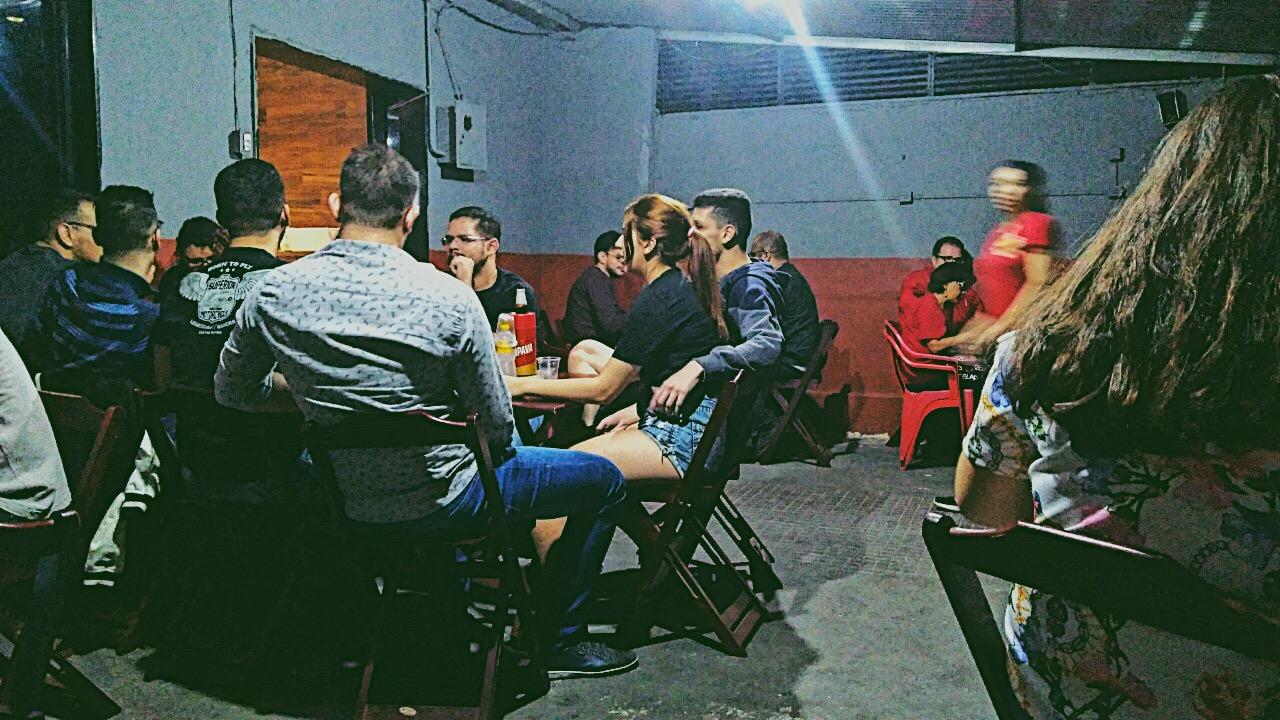 Clientes no Bar do Nilson. Foto: Maryana Teles/Coletivo f8