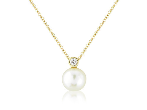 Diamond and Pearl Gold necklace