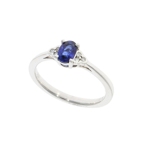 Sapphire and diamond trefoil oval ring