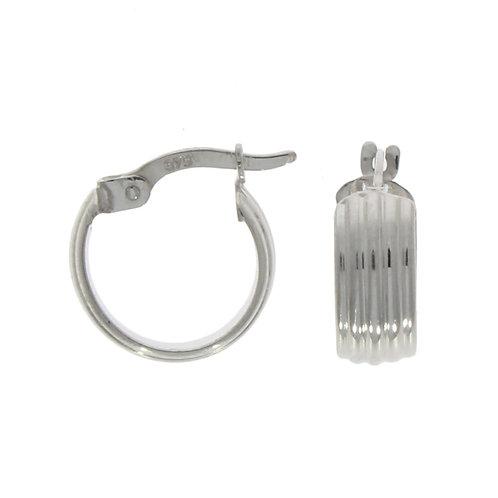 Wide ribbed hoop earring