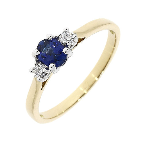 Sapphire oval and Brilliant cut Trinity ring