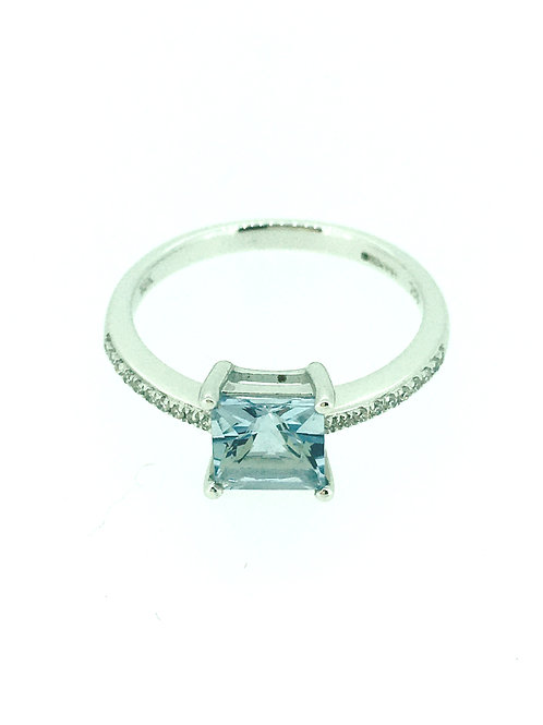 Aquamarine with Diamond shoulders white gold ring