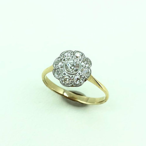 Vintage 18ct yellow gold and platinum Diamond flower cluster ring - CIRCA 1930