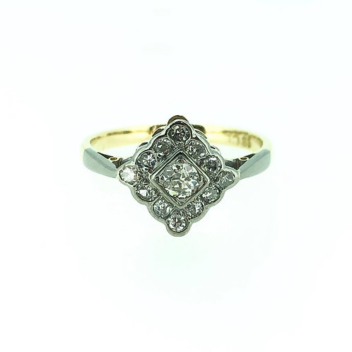 18ct yellow gold Diamond square cluster ring CIRCA 1950