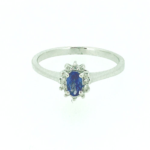 Tanzanite and Diamond oval cluster gold ring