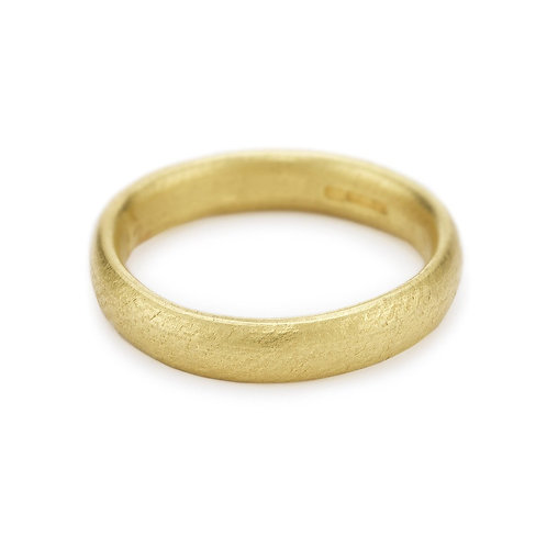 Oval section wedding band 4mm