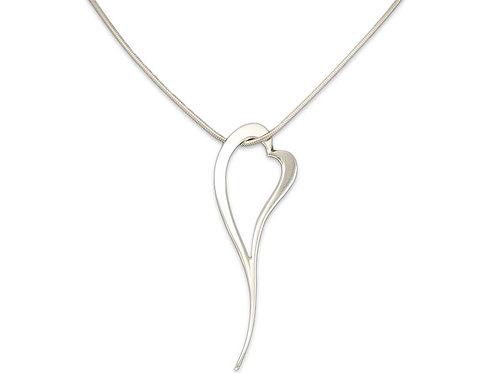 Zoe heart pendant and chain