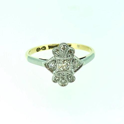 18ct yellow gold and platinum diamond ring CIRCA 1920