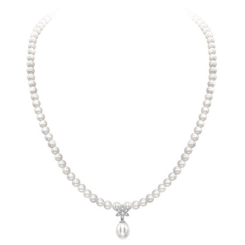 Pearl and Diamond floral design necklace