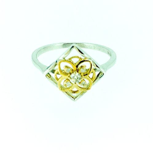 Diamond and bicolour gold ring