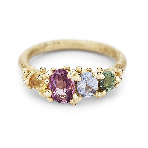 Four stone sapphire ring with gold granules