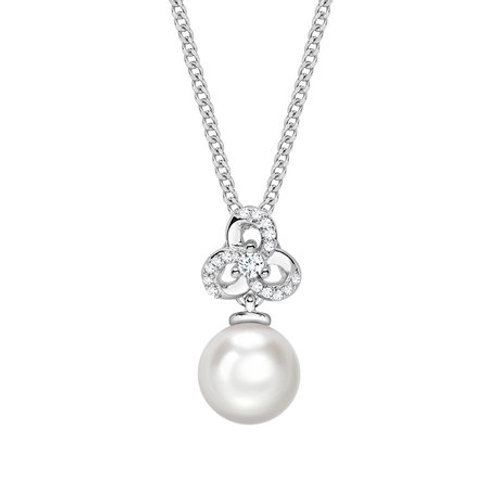 Pearl and Diamond white gold pendant