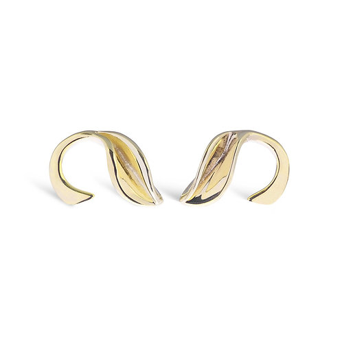 Mavilo gold tiny curved leaf stem stud earrings