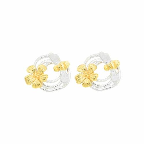 Small swirl bee and flower stud earrings