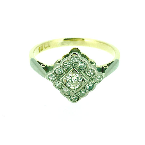 18ct yellow gold Diamond square cluster ring CIRCA 1950