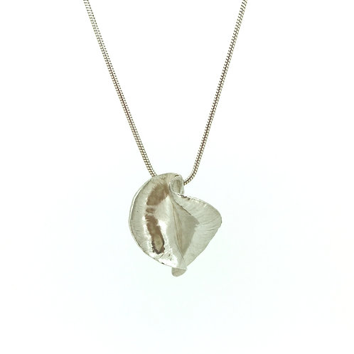 Conch Silver pendant on chain